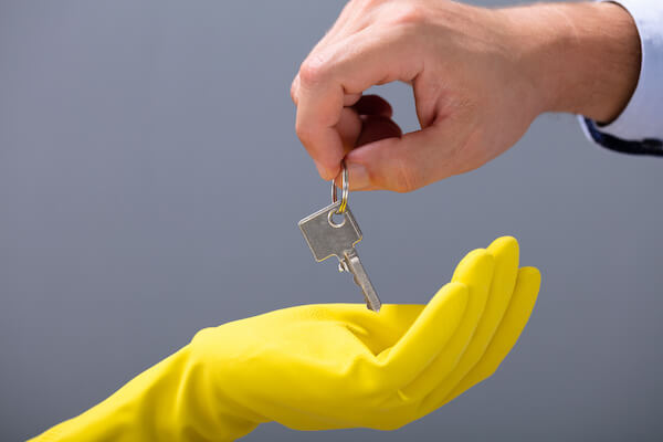 How to Win Commercial Cleaning Contracts: 5 Factors to Consider