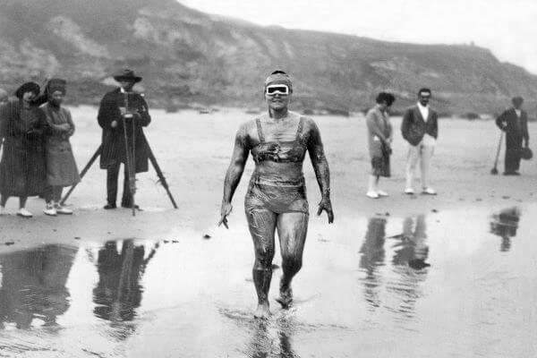 Gertrude Ederle swimming in ocean